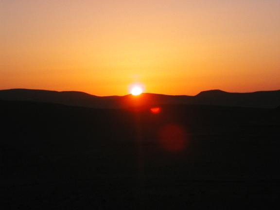نـــور لا يُبقي ولا يـــذر ....! Wise_sunset1_small